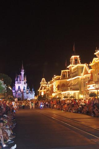 Night parade. Disney World Holiday Planning in the Uk